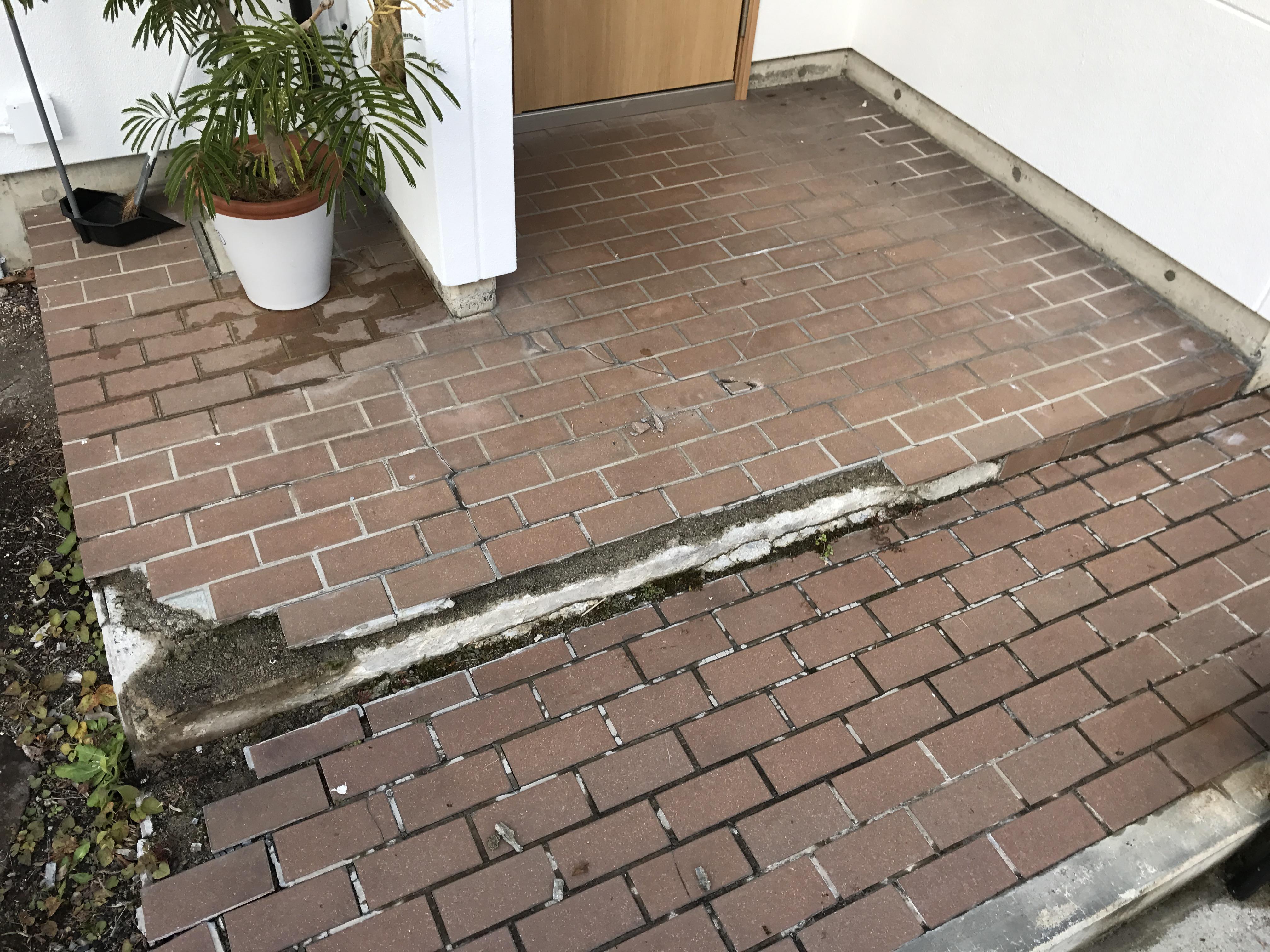 山形市住宅玄関床改修工事(コンクリート景観工法)