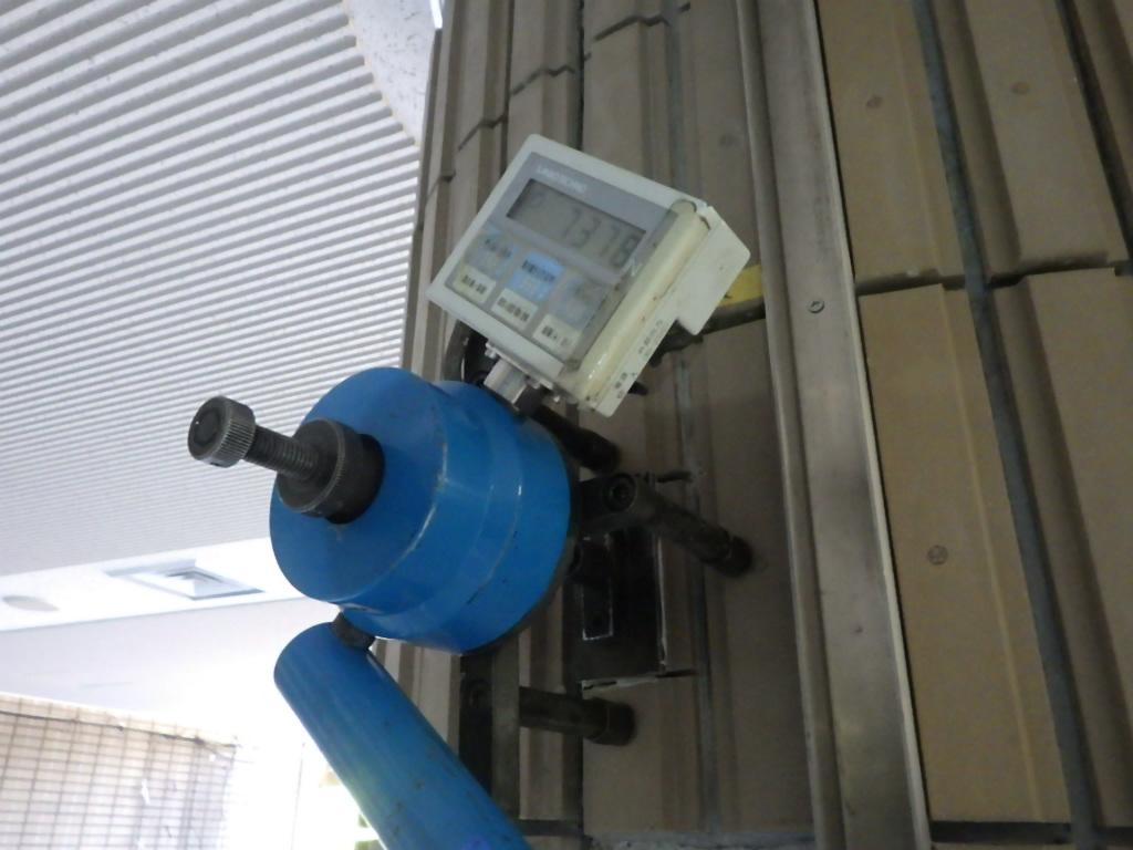剥落防止のためのタイル樹脂注入工事